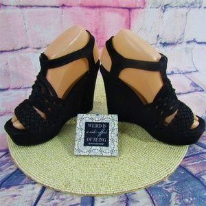 Qupid NWOB Braid Nubuck Wedge Black Sandals 6.5